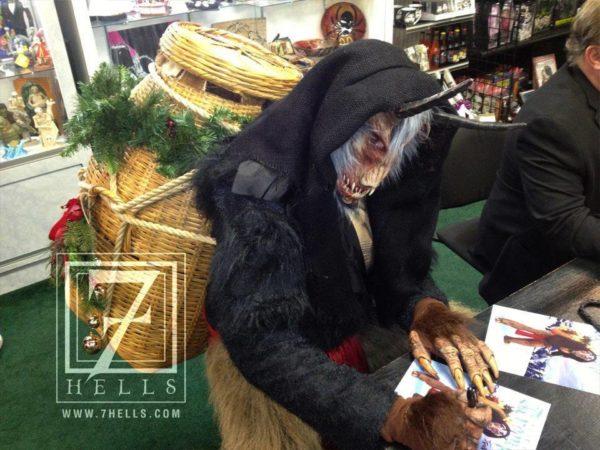 krampus-signing